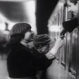מתוך סרטו התיעודי של קז'ישטוף קישלובסקי תחנת רכבת (1980): זוג נפרד לשלום